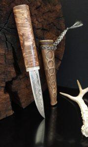Якутский нож с ножнами из кожи хвоста
