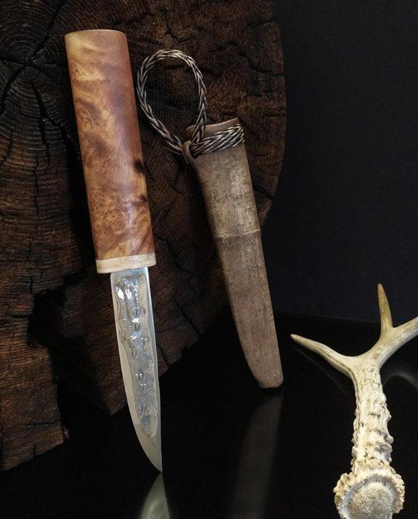 Якутский нож со следами лося на кованом доле